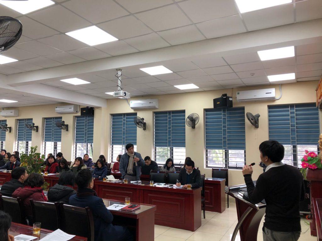 các đại biểu hỏi đáp về cách triển khai, sử dụng hệ thống.