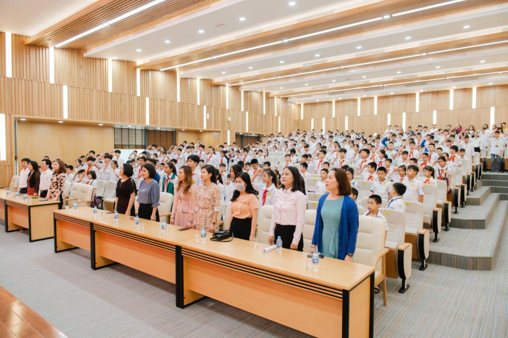 chào cờ-lễ trao giải đấu trường toán học vioedu huyện phúc thọ